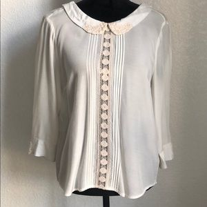 Free People white button down blouse. Size Small